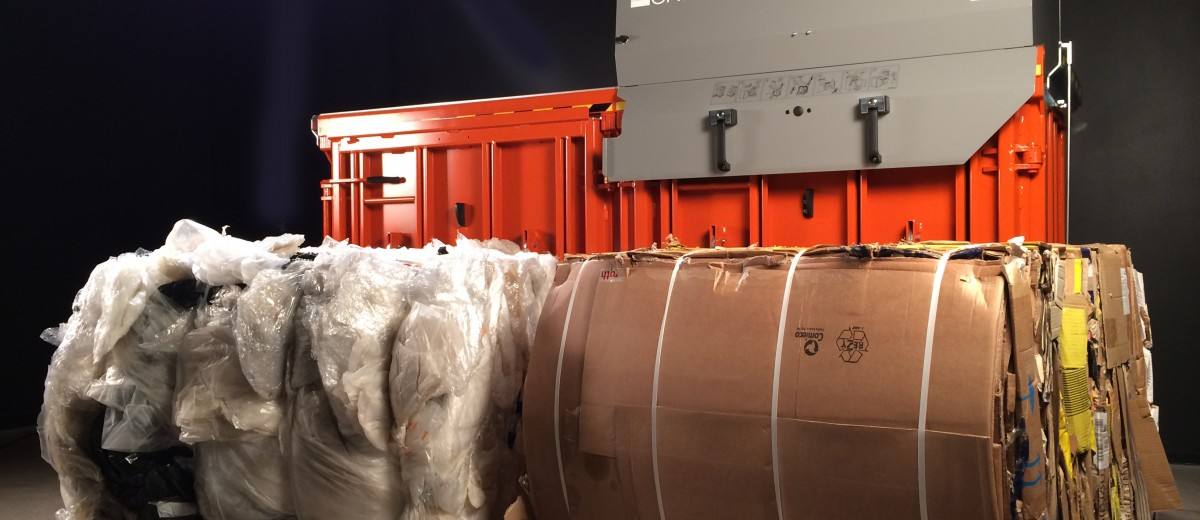 Orwak Multi 9020S with bales